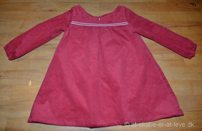 7ead0e4f7a8b Alt på kjolen er fra skjorten.