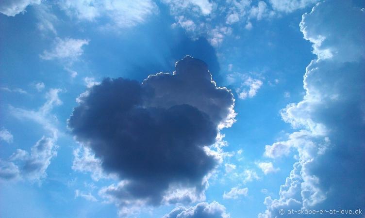 Solskin bag skyer, Jelling 26. juli 2014