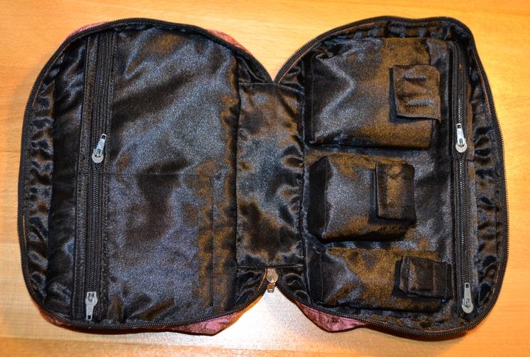 taske med mange rum - åben