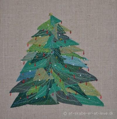 trekantet juletræscollage med broderi